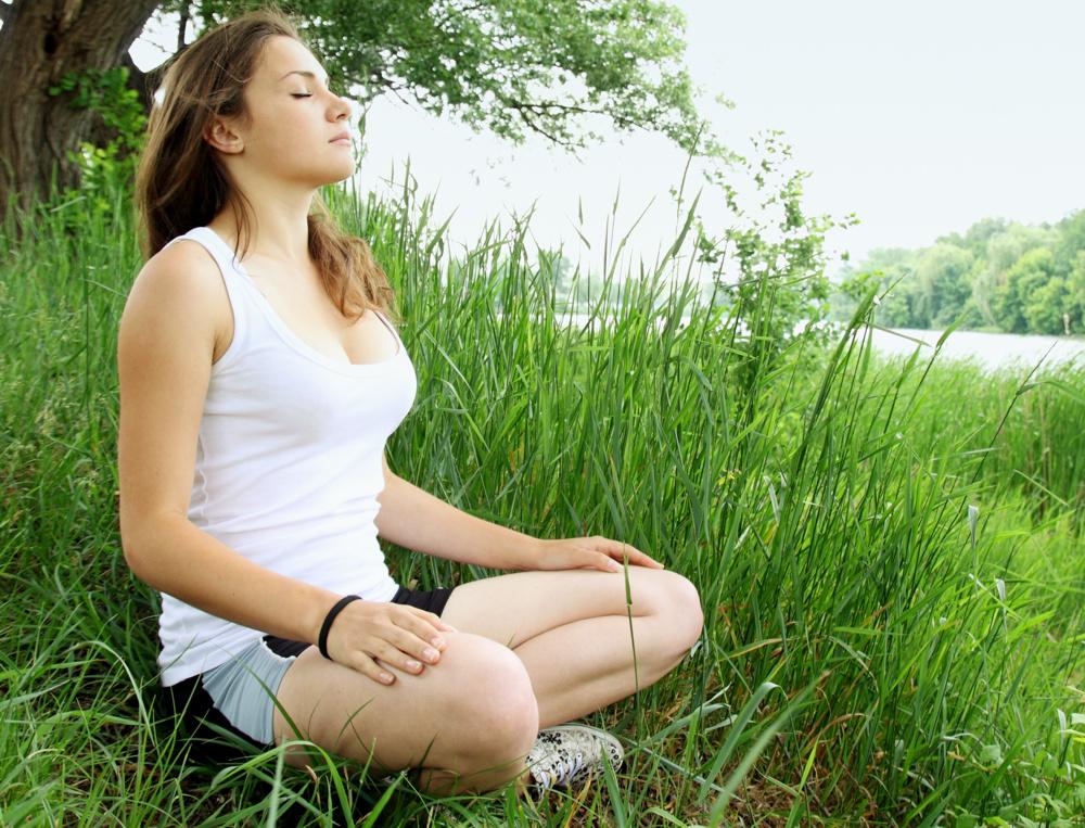 Achtsamkeitsmeditation Anleitung - Lernen Sie mit einer positiven Haltung zu leben.