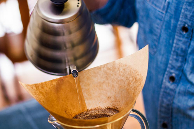 Handgefilterter Kaffee ist ein Genuss, wenn er richtig zubereitet wird.