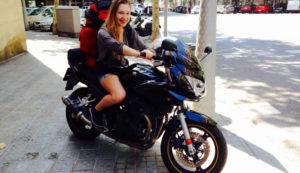 Schritte um Glück zu finden - Amina Steiner auf Motorrad