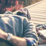 Achtsamkeitsmeditation lernen – Leben Sie mit einer positiven Haltung.