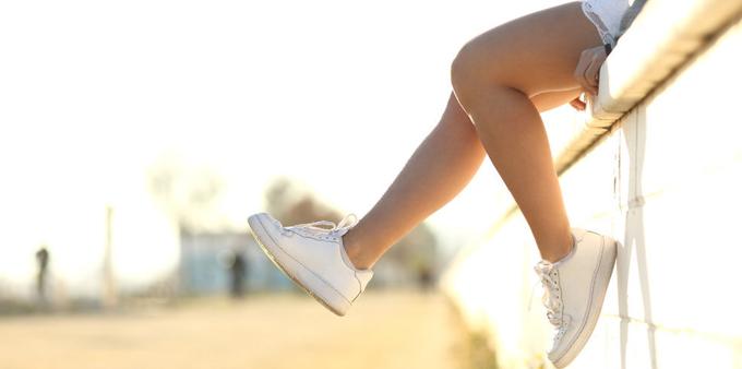 sneakers-984x498