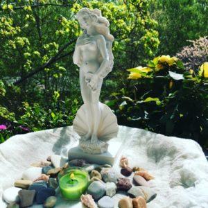 Aphrodite_green_Altar