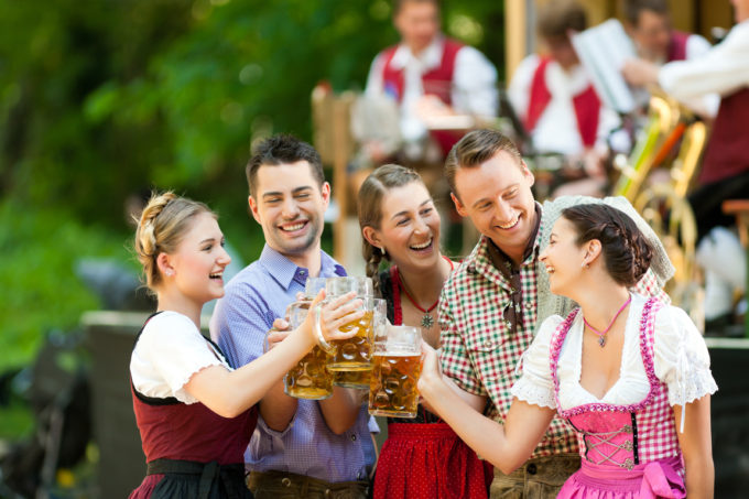 Was kostet ein Maß Bier zum Münchner Oktoberfest