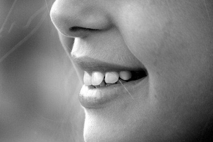 Was ist Parodontose? So kann sie vorgebeugt und behandelt werden.