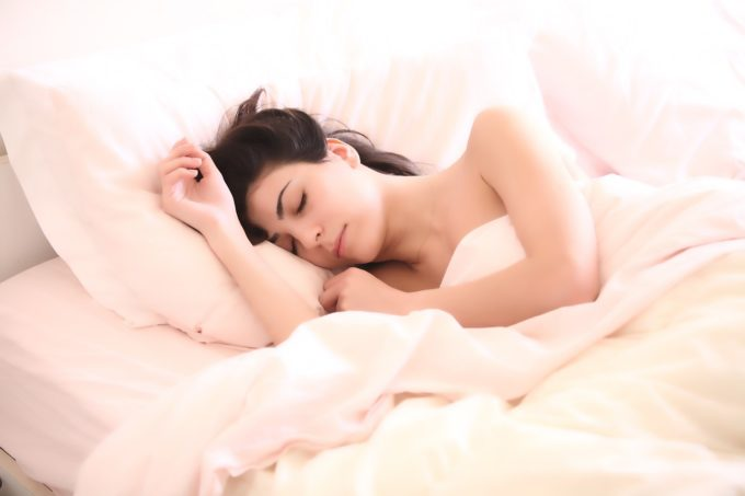 Rituale zum besser schlafen und eine Matratze mit Aloe Vera Bezug.