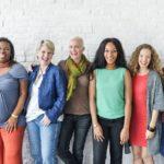 Eine achtsame Lebensweise verträgt sich gut mit Heiterkeit – 7 Tipps zum Frauentag