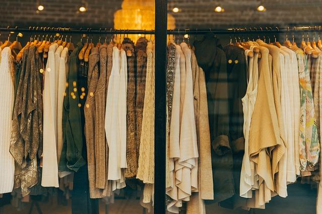Die wichtigsten Fashion-Basics und wie sie sich kombinieren lassen