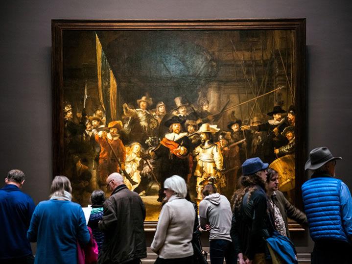 """Experten restaurieren Rembrandts """"Nachtwache"""" in Amsterdam"""