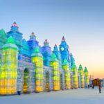 Weltgrößtes Schnee und Eisfestival in der chinesischen Stadt Harbin.