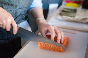 Was-du-in-der-Schwangerschaft-nicht-essen-und-trinken-solltest-roher-fisch