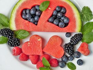 welche-vitamine-muss-ich-in-der-schwangerschaft-nehmen-Obst