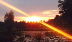 Schritte um Glück zu finden - Sonnenuntergang